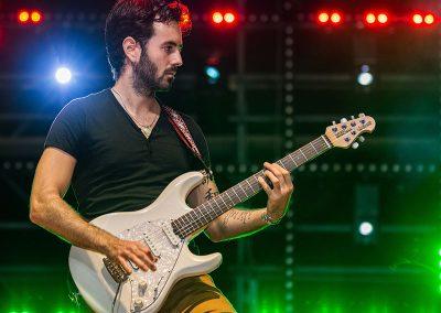 Guitarrista-profesional-concierto